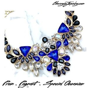 Jewelry - Multicolor Crystal Statement Necklace